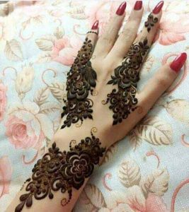 Latest simple engagement mehndi designs for back hands