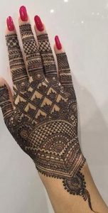 New style mehndi designs for back hands