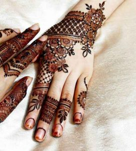 Simple and beautiful mehndi designs for back hands