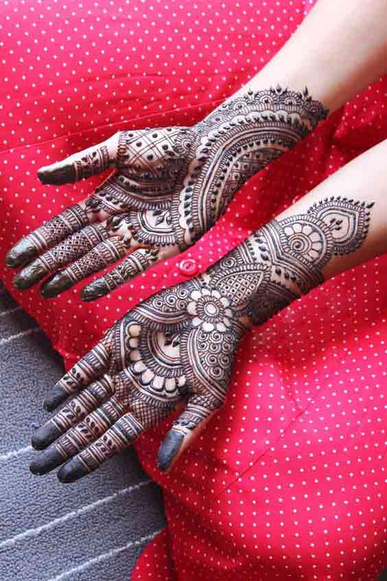 Best palm mehndi design for engagement