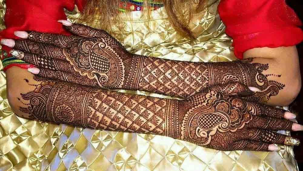 Full back hands and arms mehndi styles for engagement
