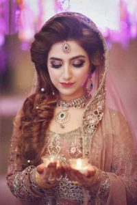 Best Pakistani engagement makeup according to dress color