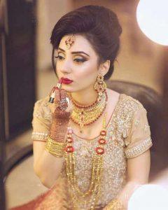 Latest engagement makeup ideas for golden dress