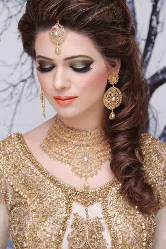 Golden Makeup Look For Engagement Weddingpace