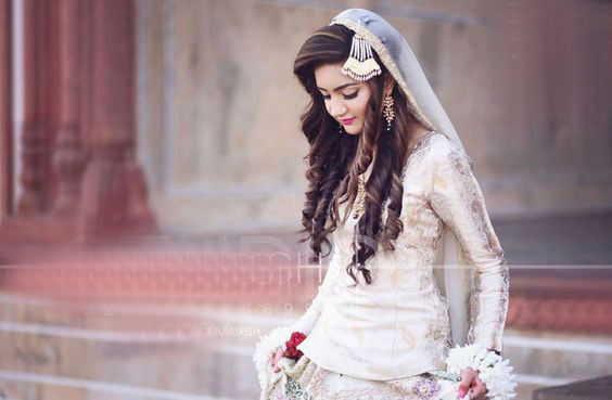 Best Pakistani bridal engagement hairstyles
