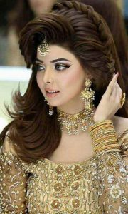 Side swept hairstyles for Pakistani engagement bride