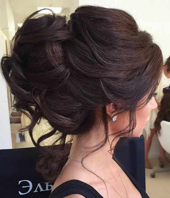 Engagement hair bun for short hair