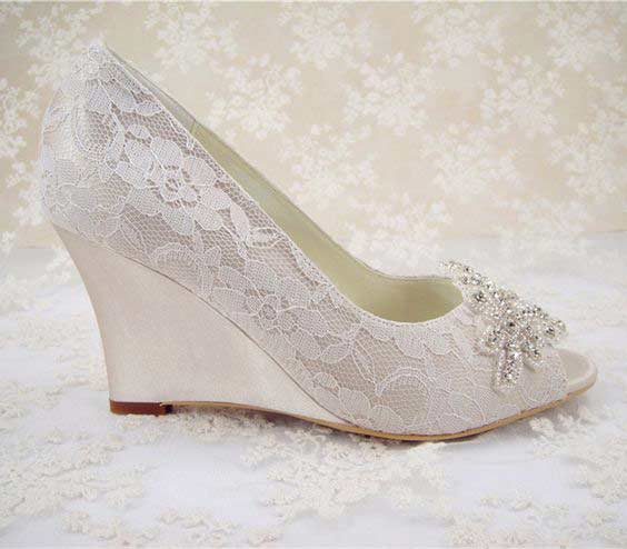 Pakistani engagement silver wedges for bridals