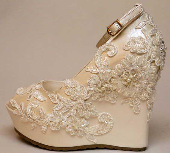 Pakistani engagement golden wedges for bridals