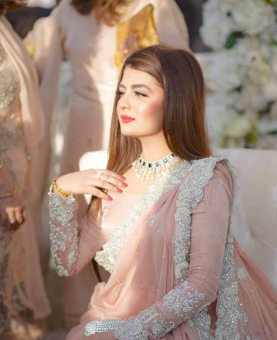 Pakistani pink bridal saree designs for weddings