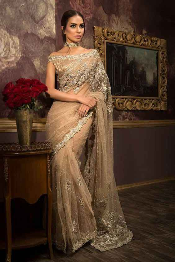 Pakistani golden bridal sarees for weddings