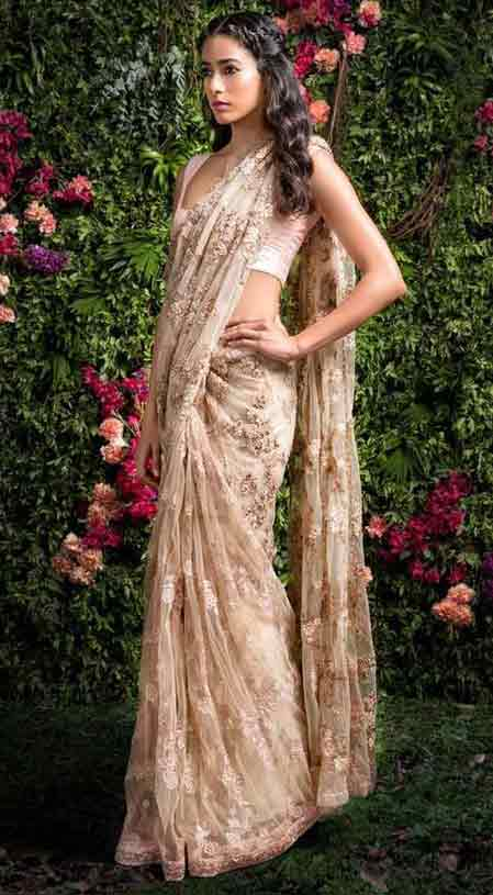 Pakistani off-white bridal saree designs for weddings