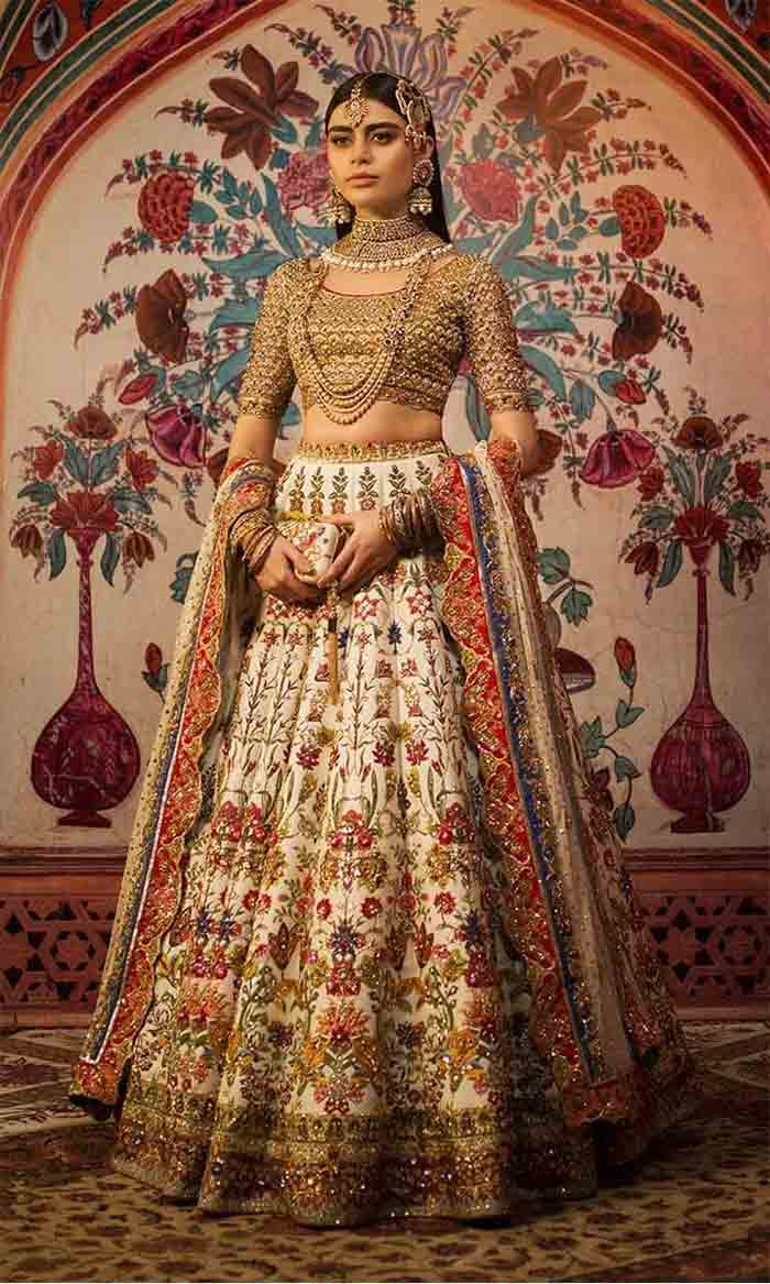 Off white lehenga choli designs in Pakistan