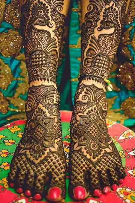 Full foot and leg mehndi designs for wedding brides
