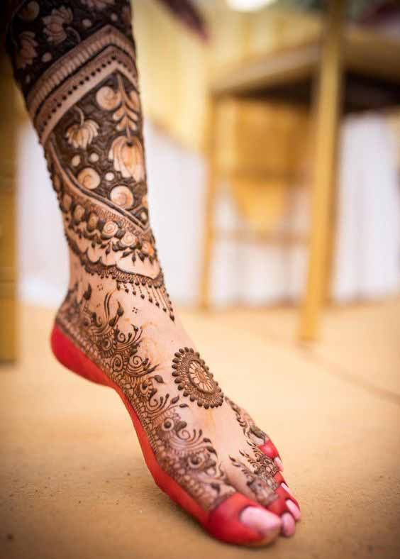 Beautiful mehndi designs for foot and legs