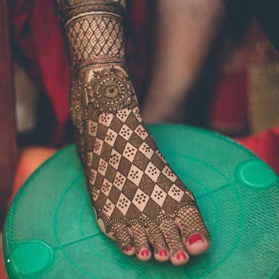 Mehndi designs for wedding brides