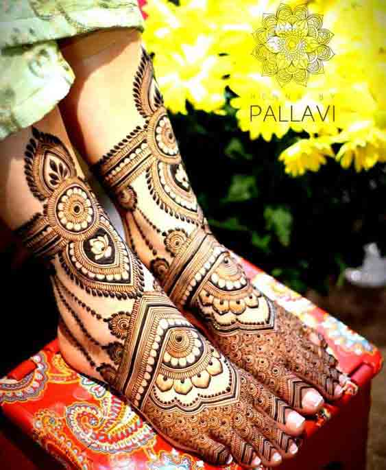 Latest bridal foot mehndi designs for wedding