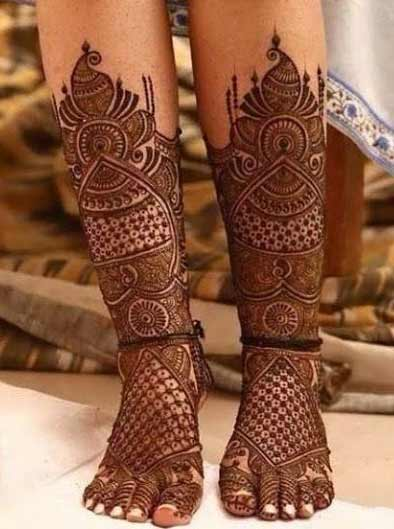 Latest bridal mehndi designs for feet and legs