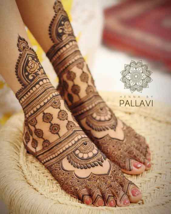 Top bridal foot mehndi designs for weddings