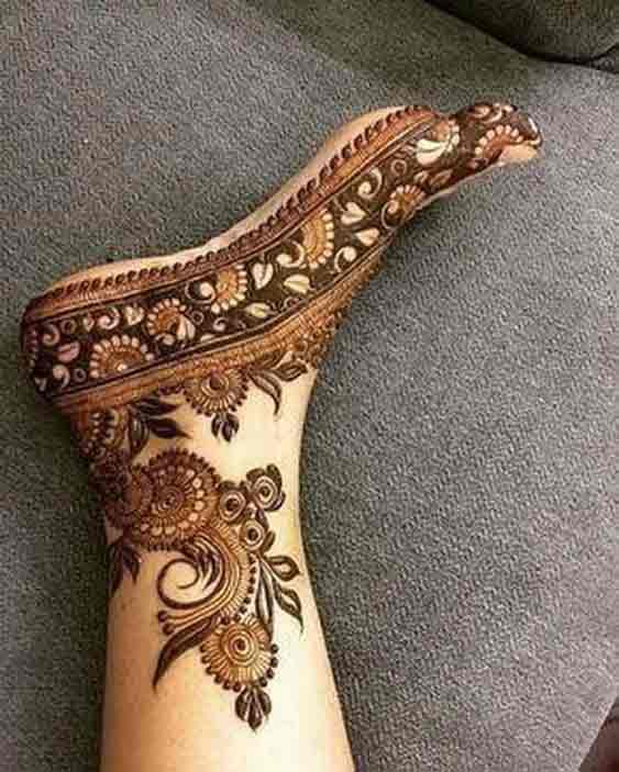 Floral foot mehndi designs for bridals