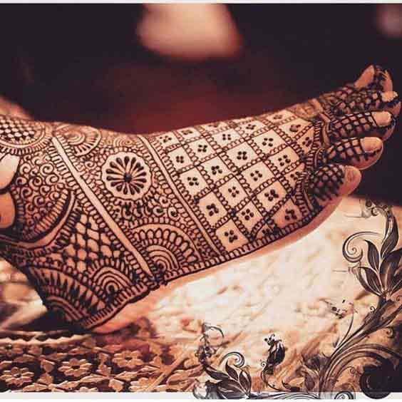 Traditional foot mehndi designs for brides