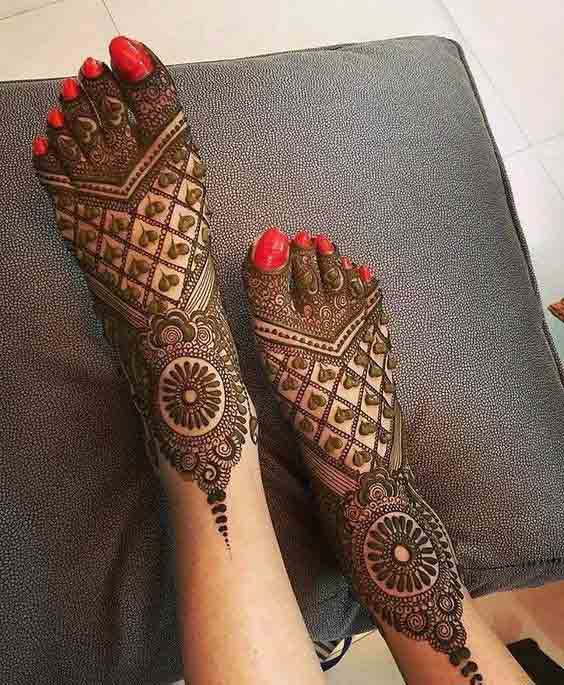 Full foot mehndi design for brides
